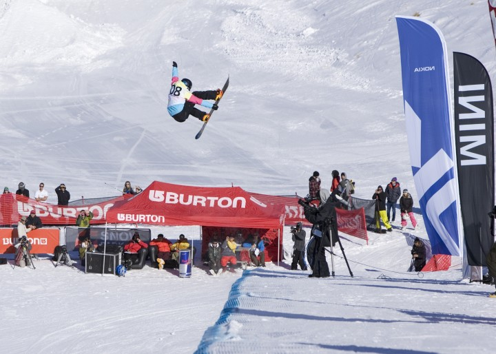 Kelly Clark wins the Burton High Fives Halfpipe Finals 2012