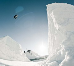 Stale Sandbech stomped his way to 3rd place at the Burton High Fives slopestyle finals 2012