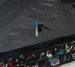 Shaun White in Super-Pipe Finals at X Games 2013 - Photo: Allen Kee