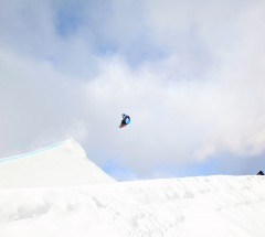 Roope Tonteri on his way to 2nd place at the Grand Prix Copper Slopestyle Finals
